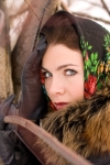 1383236_girl_in_russian_scarf