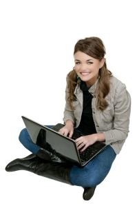 3064963 woman using laptop